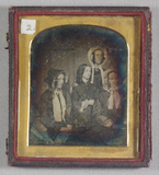 Visualizza A group portrait of three women and a girl.  … anteprime su