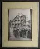 Visualizza The main entrance to the Duomo in Lucca, show… anteprime su