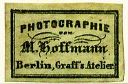 Visualizza Etikett von M. Hoffmann (Graff's Atelier) anteprime su