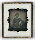 Miniaturansicht Vorschau von Bildnis einer jungen Frau, die eine querforma…