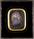 Thumbnail preview of Portrait einer Dame. Eine Frau (stehend?). Ei…