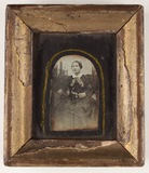 Visualizza Das Porträt als Kniestück zeigt eine Frau in … anteprime su