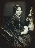 Thumbnail preview of Porträt von Clementine Blochmann mit Vase.