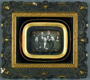 Visualizza Gruppenporträt von 7 Herren, ca. 1852.  anteprime su