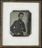 Visualizza Portrett av en ung soldat i uniform med mange… anteprime su