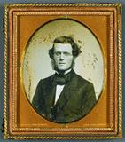 Visualizza Mann mit Brille, USA, New York, ca. 1854 anteprime su