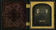 Visualizza Three quarter length double portrait of two y… anteprime su