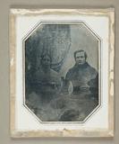 Thumbnail preview of Ehepaar vor gemusterter Draperie, um 1846 Gle…