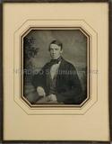 Visualizza Porträt eines unbekannten jungen Herrn, halbf… anteprime su