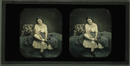 Miniaturansicht Vorschau von Frau auf Bett sitzend, Frankreich