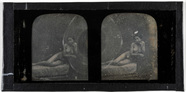 Visualizza Erotic stereodaguerreotype of a woman lying o… anteprime su