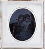 Forhåndsvisning av En Face Porträt zweier Kinder (Mädchen).