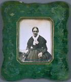 Visualizza Frau mit weißer Schleife, ca. 1852. anteprime su