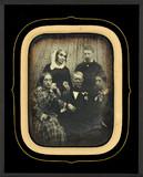 Thumbnail preview of Portrait de groupe : trois femmes et deux hom…