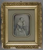 Visualizza Bildnis einer sitzenden jungen Frau mit einem… anteprime su
