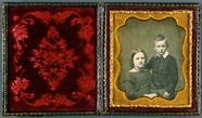 Visualizza Bruder und Schwester, England, ca. 1855. anteprime su