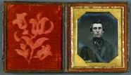 Visualizza Junger Mann mit Haartolle, USA, ca. 1848. anteprime su