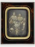 Visualizza Portrait of a family anteprime su