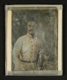 Visualizza Bildnis eines stehenden Mannes in weißer Unif… anteprime su