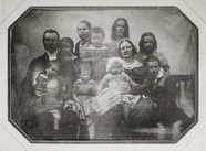 Visualizza portrait of a couple with nine children anteprime su