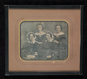 Visualizza Portrait of four women, two seated in front, … anteprime su