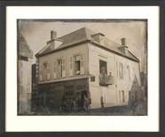 Esikatselunkuvan Hôtel et café du commerce à l'angle d'une rue näyttö
