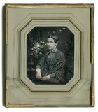 Visualizza Porträt einer unbekannten sitzenden Frau im D… anteprime su
