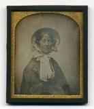 Visualizza Half length portrait of woman wearing white b… anteprime su
