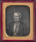 Visualizza Portrait d'homme au foulard à losanges, en bu… anteprime su