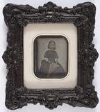 Visualizza portrait en buste et en studio d'une petite f… anteprime su