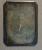 Visualizza Head and shoulders portrait of a man anteprime su