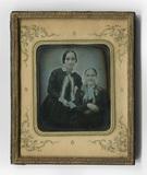 Visualizza En face Doppelporträt von Mutter und Tochter.… anteprime su
