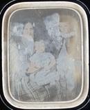 Visualizza Jeune femme et ses deux enfants anteprime su