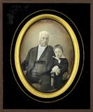 Miniaturansicht Vorschau von Homme âgé en compagnie d'un petit garçon