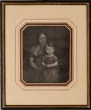 Miniaturansicht Vorschau von Bruno Stelzner mit seiner Kinderfrau Anna, um…