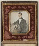 Visualizza Portrait of a man, seated, resting his right … anteprime su