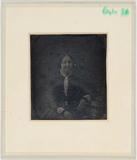 Visualizza Portrett av en middelaldrende kvinne sittende… anteprime su