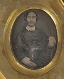 Visualizza portrait of a woman from the Quincy family; s… anteprime su