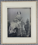 Visualizza Daguerreotype of Jenny Lind standing looking … anteprime su