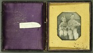 Visualizza Geschwister mit Spielzeug, ca. 1845.  anteprime su