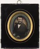 Visualizza Portrait of photographer Hans Krum (15.02.181… anteprime su