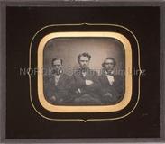 Thumbnail preview of Porträt dreier unbekannter Herren, halbfiguri…