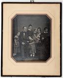 Visualizza Abgebildet ist eine Familie bestehend aus Man… anteprime su