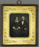 Prévisualisation de Junges Ehepaar nebeneinander sitzend imagettes