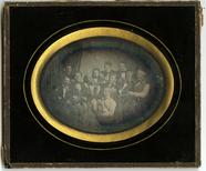 Miniaturansicht Vorschau von Gruppeportrett av 11 sittende menn, Christian…