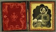 Thumbnail af Dicke Frau mit Haube und Brille, USA, ca.1848…