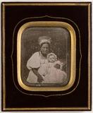 Visualizza Ein Kindermädchen mit einem Kind anteprime su