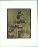 Visualizza Portrait eines Mannes mit Vollbart, in Kittel… anteprime su
