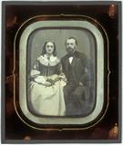 Miniaturansicht Vorschau von portrait of unknown man and woman