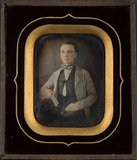 Visualizza Lightly tinted frontal portrait of young man … anteprime su